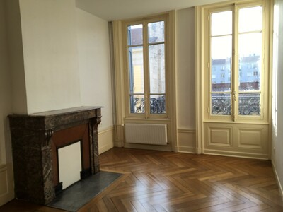 Location Appartement 3 pièces 60m² Saint-Étienne (42000) - Photo 2