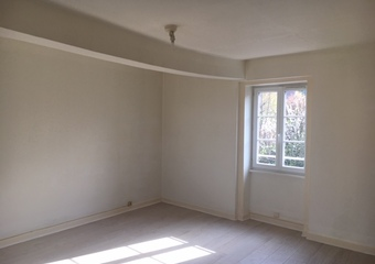 Location Appartement 58m² La Clayette (71800) - photo 2