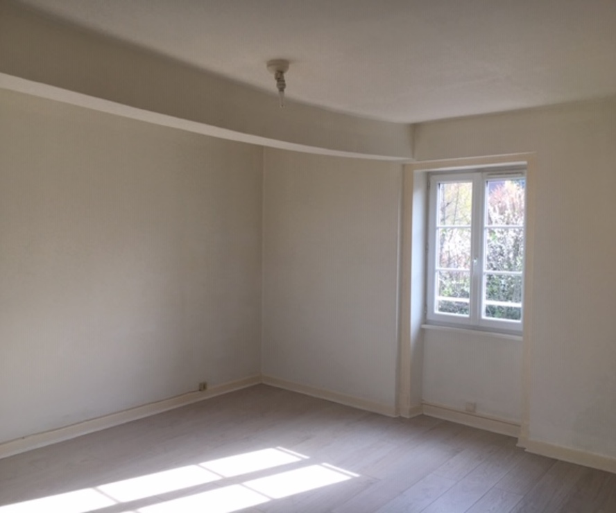Location Appartement 58m² La Clayette (71800) - photo
