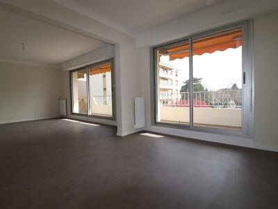 Location Appartement 2 pièces 65m² Pau (64000) - Photo 2