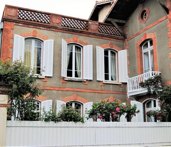 Sale House 18 rooms 687m² SECTEUR RIEUMES - photo
