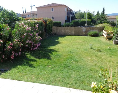 Sale Apartment 3 rooms 83m² Lauris (84360) - photo