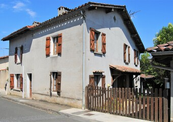Sale House 7 rooms 150m² 10MN LOMBEZ - photo