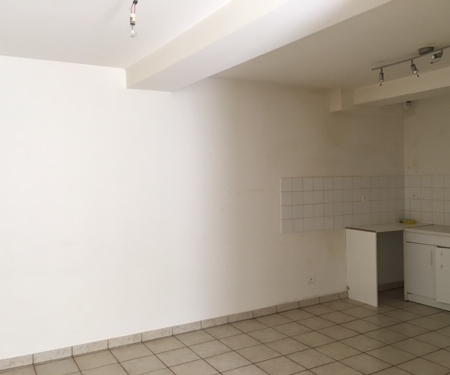 Location Appartement 3 pièces 63m² La Clayette (71800) - photo
