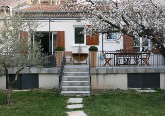 Location Appartement 3 pièces 77m² Jouques (13490) - photo