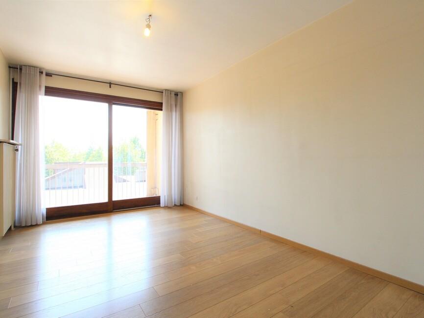 vente appartement 4 pi ces grenoble 38000 400299. Black Bedroom Furniture Sets. Home Design Ideas