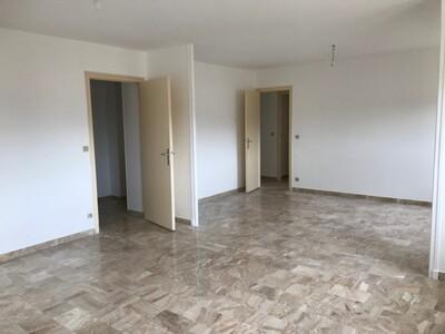 Location Appartement 3 pièces 81m² Saint-Étienne (42000) - Photo 3