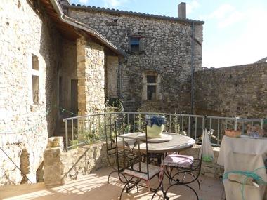Vente Maison 9 pièces 220m² Sauzet (26740) - photo