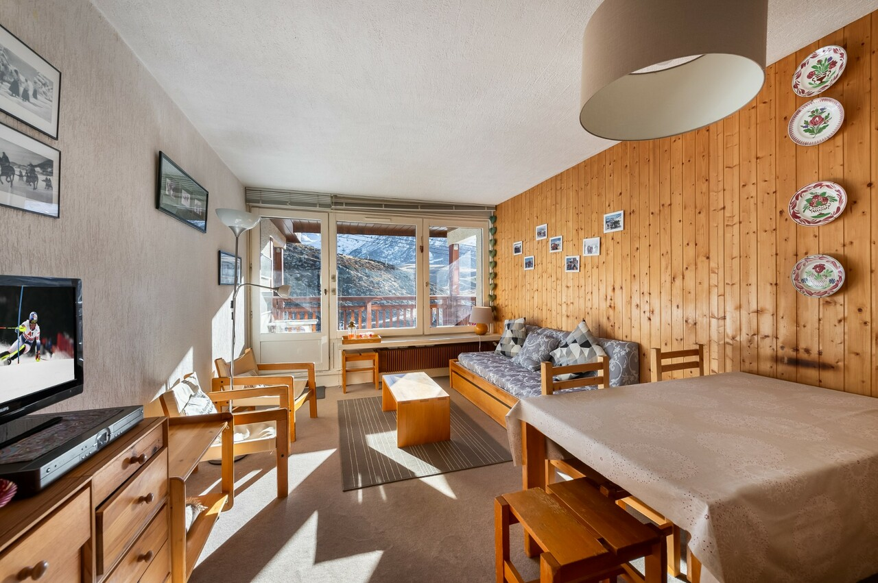 TWO BEDROOMS APARTMENT IN THE RESORT Accommodation in Val Thorens