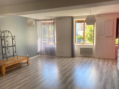 Location Appartement 3 pièces 60m² Saint-Chamond (42400) - Photo 3