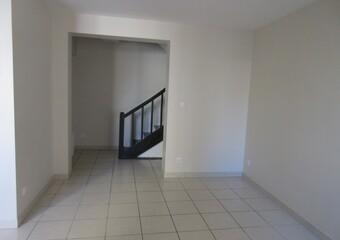 Location Appartement 4 pièces 100m² Pacy-sur-Eure (27120) - photo 2