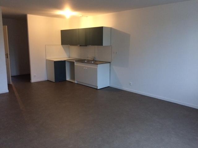 Location Appartement 3 pièces 76m² Cublize (69550) - photo