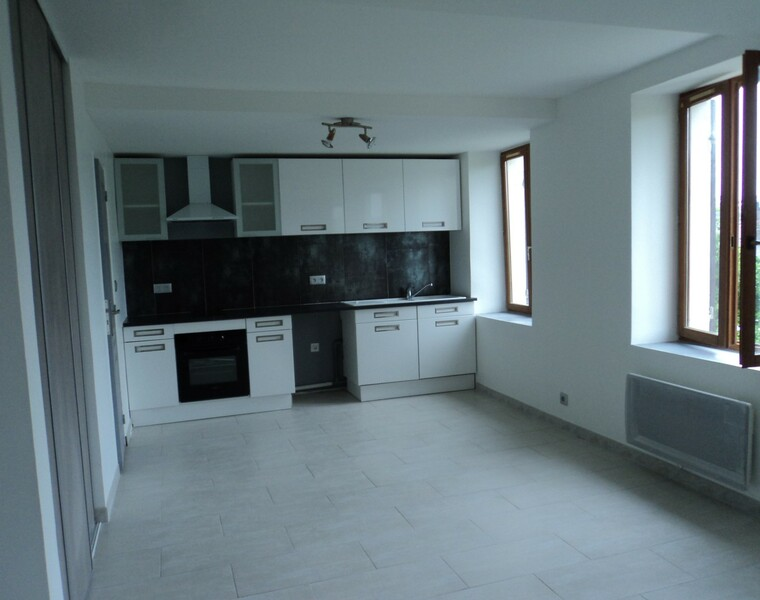 Location Appartement 2 pièces 38m² Breuilpont (27640) - photo