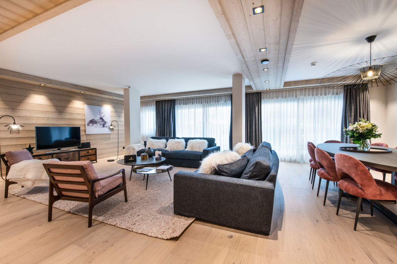 NEW DUPLEX APARTMENT ON THE SLOPES Chalet in Courchevel