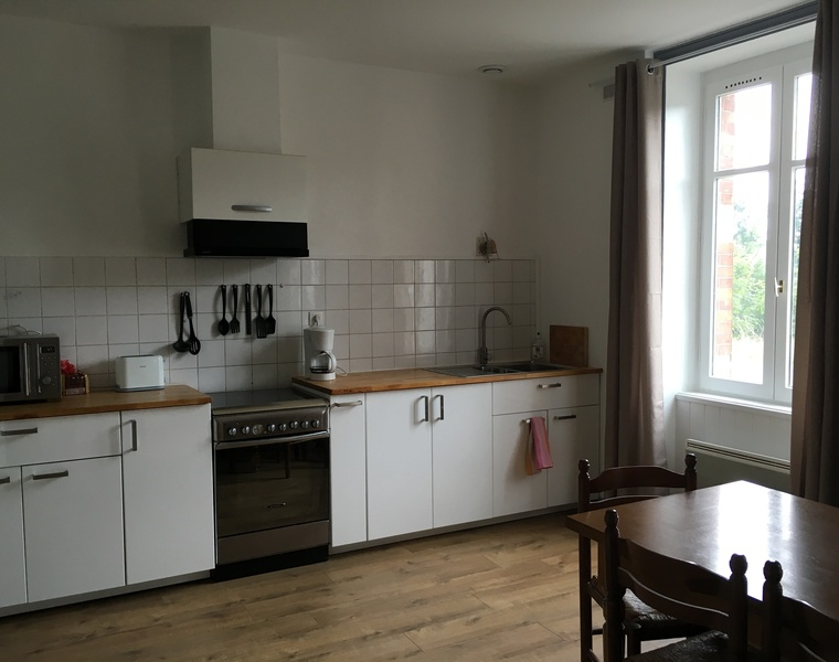 Location Appartement 76m² Bourg-de-Thizy (69240) - photo