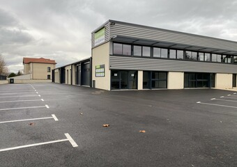 Location Local industriel 2 pièces 184m² Sury-le-Comtal (42450) - Photo 1
