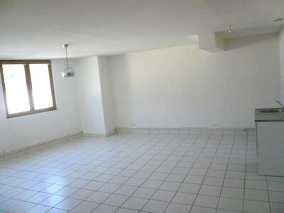 Location Appartement 71m² Billom (63160) - Photo 3