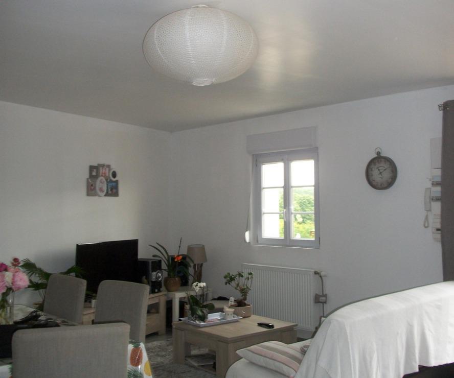 Location Appartement 2 pièces 47m² Villequier-Aumont (02300) - photo