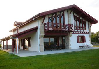 Vente Maison 6 pièces 259m² Hasparren (64240) - photo