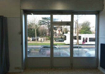 Location Local commercial 3 pièces 55m² Grenoble (38000)
