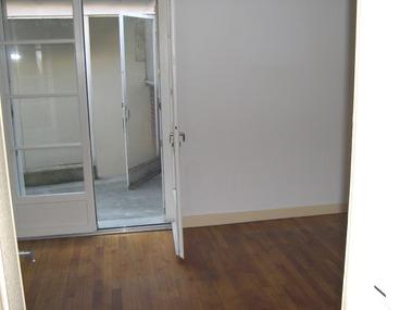 Location Appartement 2 pièces 55m² Argenton-sur-Creuse (36200) - photo