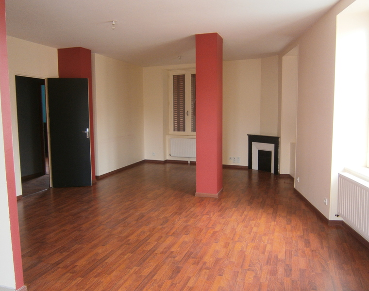 Location Appartement 3 pièces 80m² Charlieu (42190) - photo