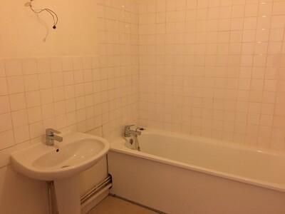Location Appartement 1 pièce 36m² Saint-Étienne (42000) - Photo 3