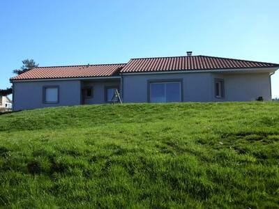 Location Maison 115m² Montmorin (63160) - Photo 1
