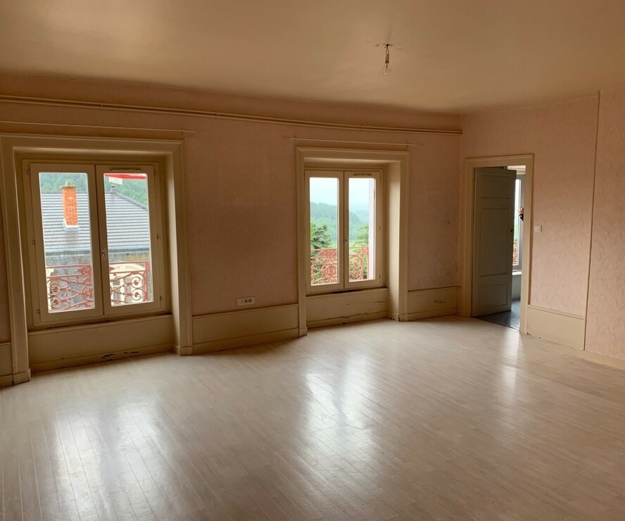 Location Appartement 4 pièces 110m² Thizy (69240) - photo