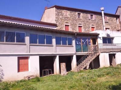 Vente Maison 15 pièces 440m² Saint-Dier-d'Auvergne (63520) - Photo 2