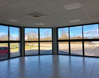 Location Local commercial 2 pièces 97m² Saint-Étienne-de-Saint-Geoirs (38590) - photo