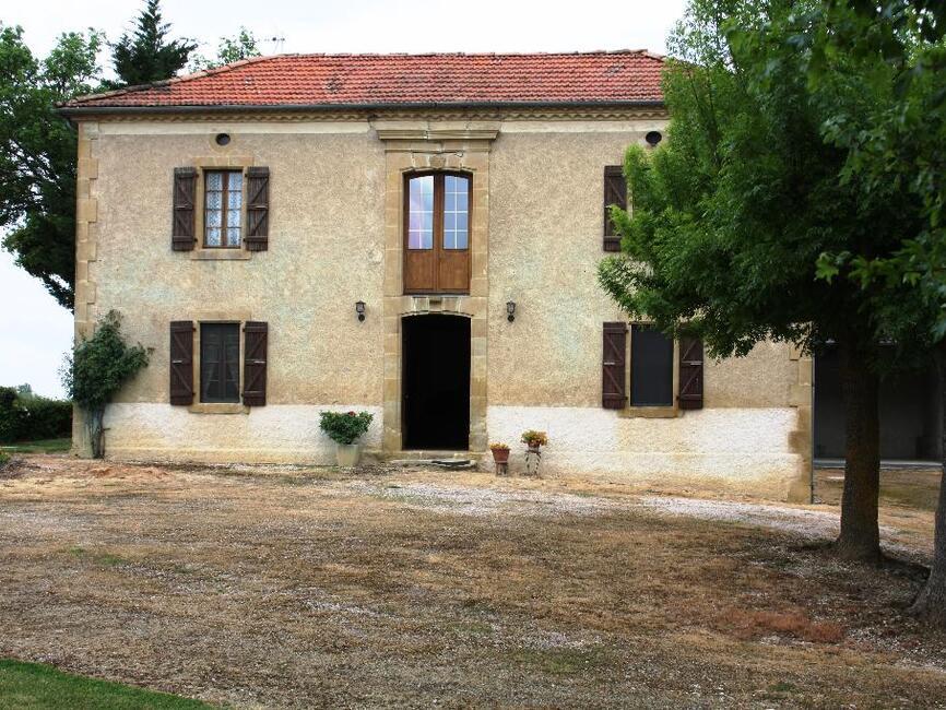 Sale House 7 rooms 200m² SECTEUR SARAMON - photo