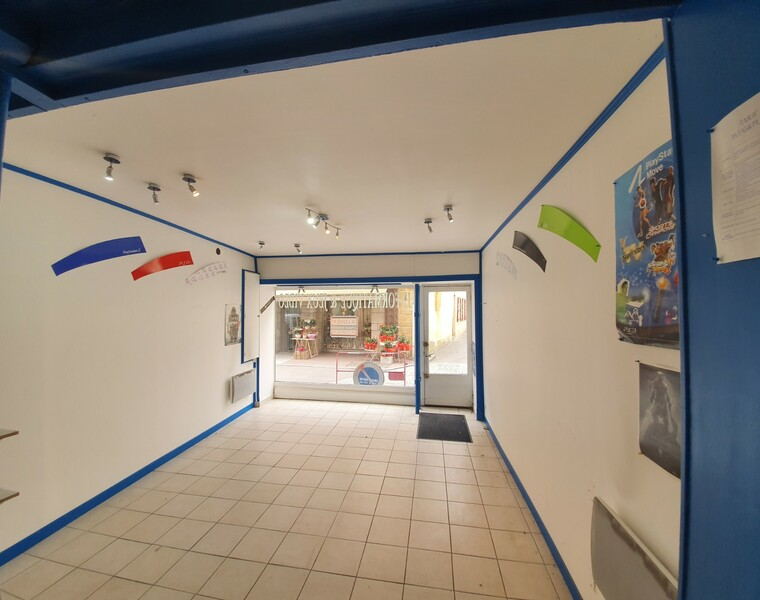Location Local commercial Charlieu (42190) - photo
