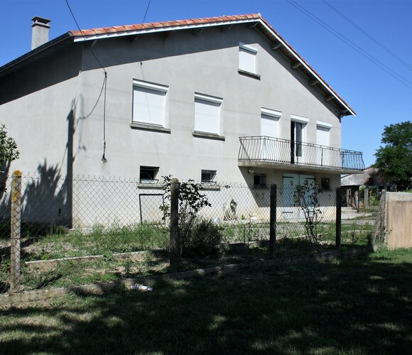 Sale House 6 rooms 106m² L'Isle-Jourdain (32600) - photo
