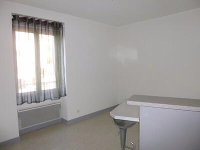 Location Appartement 2 pièces 29m² Montrond-les-Bains (42210) - Photo 2