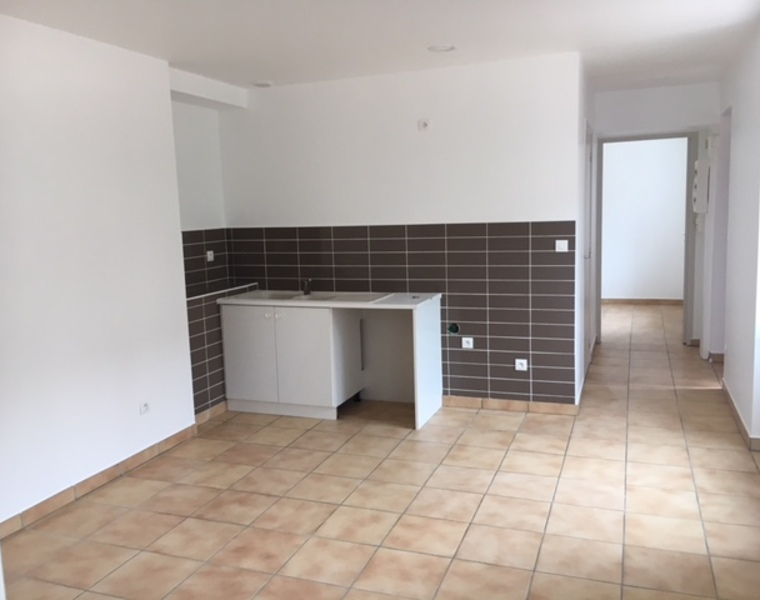 Location Appartement 42m² Charlieu (42190) - photo