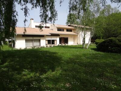 Vente Maison 8 pièces 323m² Dax (40100) - Photo 1