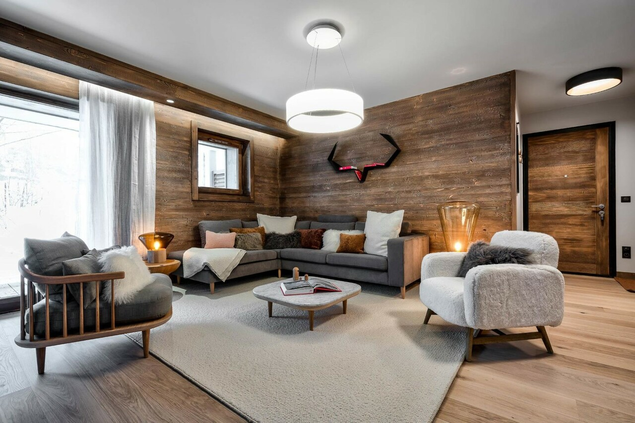 CONFIDENTIAL AND AUTHENTIC NEW PROGRAM Chalet in Megeve