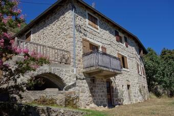 Vente Maison 12 pièces 229m² Proche Saint Pierreville - photo