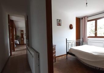 Vente Maison 4 pièces 90m² Lillebonne (76170) - photo 2