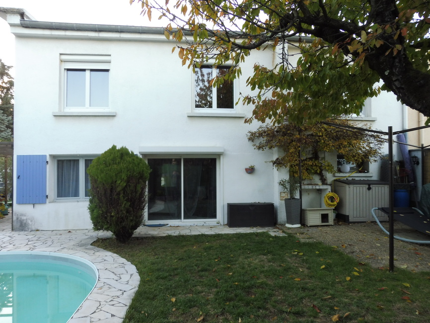Vente maison 6 pi ces guilherand granges 07500 214738 for Piscine 07500