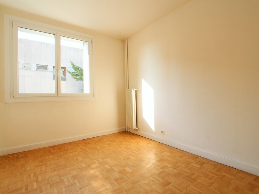vente appartement 4 pi ces grenoble 38100 399631. Black Bedroom Furniture Sets. Home Design Ideas
