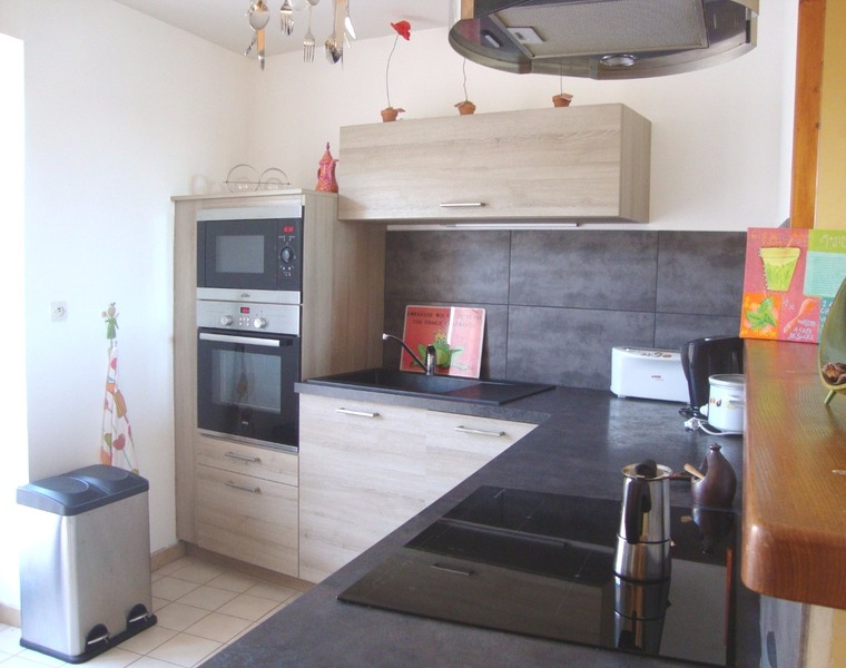 Sale Apartment 4 rooms 75m² Luzinay (38200) - photo