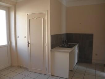 Location Appartement 4 pièces 64m² Roanne (42300) - photo 2