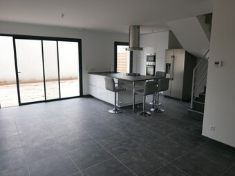 Location Maison 5 pièces 98m² Francheville (69340) - Photo 1