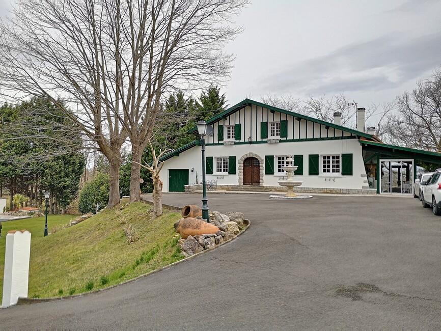 Vente Maison 8 pièces 240m² Hélette (64640) - photo