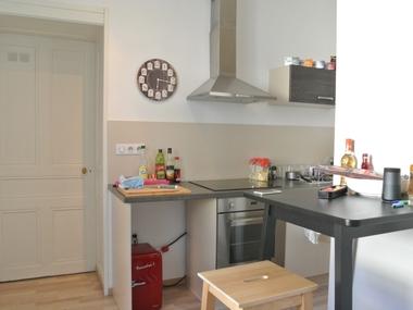Renting Apartment 1 room 35m² Lure (70200) - photo