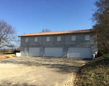Location Garage 180m² Alixan (26300) - photo