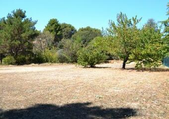 Vente Terrain 2 000m² Lauris (84360) - photo