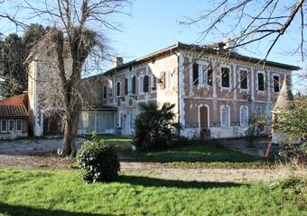 Sale House 12 rooms 310m² Lombez (32220) - Photo 1